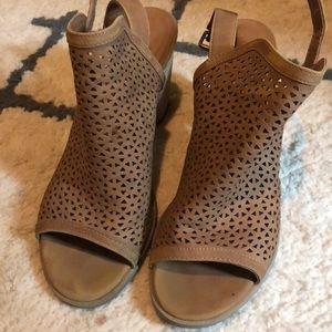 Peep toe backless heels